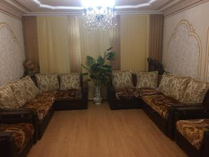 A seating area at Guest House Zdorovie