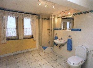 Ein Badezimmer in der Unterkunft Altstadtgasthof Krone