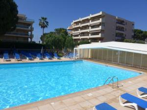 The swimming pool at or near Apartment Heliotel Marine