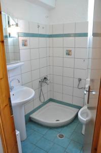 Salle de bains dans l'établissement Villa Annilena