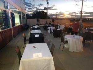 A restaurant or other place to eat at Hotel Serra do Rio