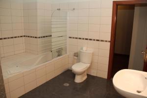 A bathroom at Residencial Parque