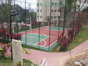 Tennis and/or squash facilities at Rio Parque or nearby