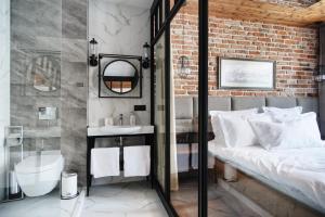 Łazienka w obiekcie Apartamenty Chleb i Wino