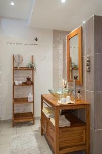Salle de bains dans l'établissement La Boudrie