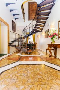 The lobby or reception area at Hotel Fontanella Borghese