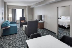 A seating area at Hilton Garden Inn Nashville Vanderbilt