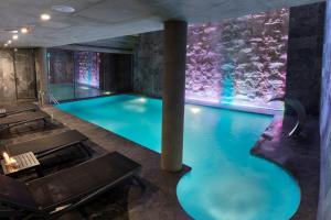 The swimming pool at or near Endless Art Hotel-Special Category
