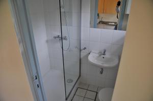 A bathroom at Village de vacances Waulsort