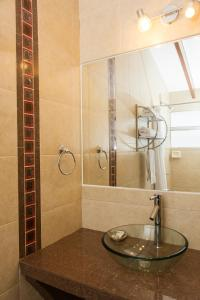A bathroom at Hostal El Triunfo