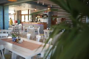 A restaurant or other place to eat at Hotel Agapi Mamaia