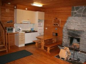 A kitchen or kitchenette at Holiday Home Rämeä 2