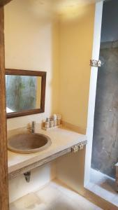 A bathroom at Royal Villa Jepun