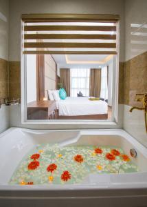 Phòng tắm tại Pariat Hotel & Apartment
