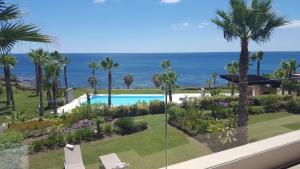 Vista de la piscina de Horizon Beach Apartment o alrededores