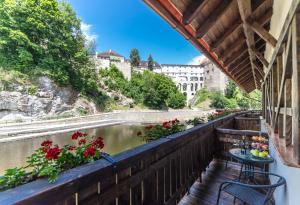 Balkon lub taras w obiekcie Garni hotel Castle Bridge