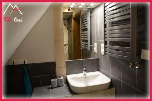 Łazienka w obiekcie MA-lina Apartament i Pokój Gościnny