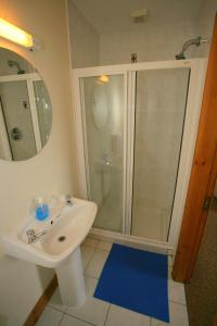 A bathroom at Cottage Heights