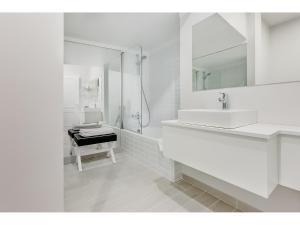 A bathroom at Hotel Cristal Marinha
