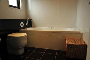 A bathroom at Angala 2