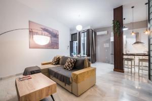 A seating area at Rent&Dream Apartamento Calle Jinetes Malaga