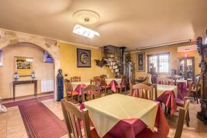 Restaurant ou autre lieu de restauration dans l'établissement Villa Gengi