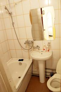 A bathroom at Уютный Тихвин апартаменты 8 микрорайон д 3A