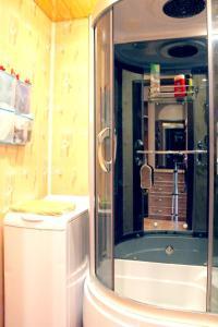 A bathroom at Уютный Тихвин апартаменты 3 микрорайон д 12а