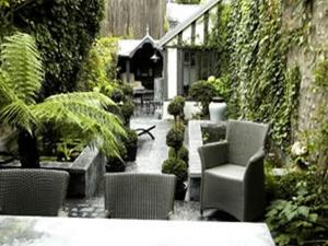A patio or other outdoor area at Au Grey d'Honfleur