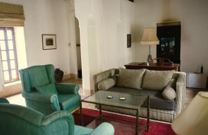 A seating area at Riyad El Cadi