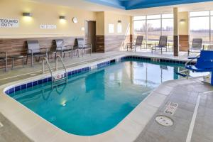 The swimming pool at or near Fairfield Inn & Suites by Marriott Chillicothe, MO