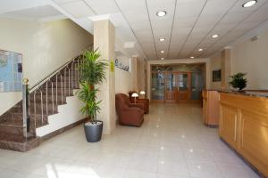 The lobby or reception area at Hotel Pantón