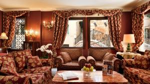 A seating area at Hotel Ca' Alvise