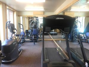 The fitness center and/or fitness facilities at Sunstone Lodge by 101 Great Escapes