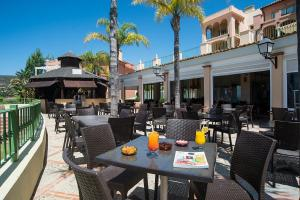 A restaurant or other place to eat at Pierre & Vacances Village Terrazas Costa del Sol