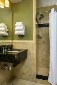 A bathroom at Missouri Athletic Club