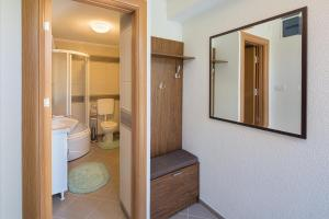 A bathroom at Apartment Mistovic