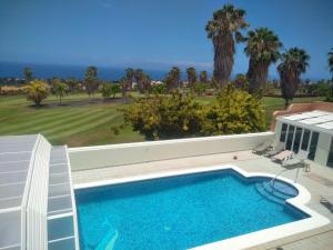 The swimming pool at or close to Costa Adeje Tenerife Villa Golf