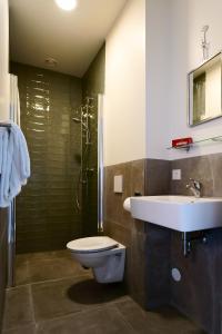 A bathroom at Guesthouse Vertoef