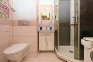 A bathroom at Home Like on Sovetskaya 1