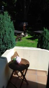 Vista de la piscina de Apartamentos Rurales Les Mestes o alrededores
