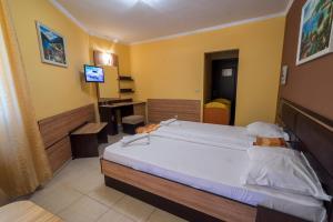 Легло или легла в стая в Хотел Луксор