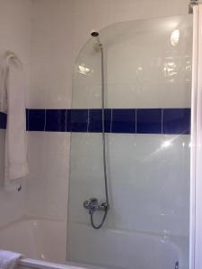 Un baño de Hostal Bar Stop