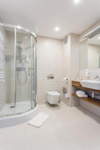 Łazienka w obiekcie Hotel Wolin