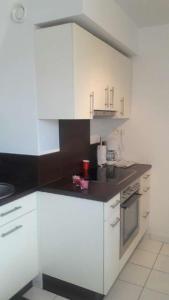 A kitchen or kitchenette at Appartement avec garage Colmar Centre Historique