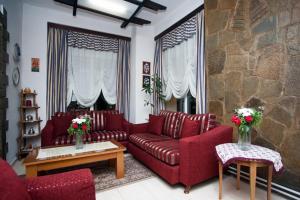 Гостиная зона в Olympos Hotel