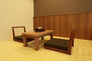 ザ ベース 堺東 アパートメントホテルにあるシーティングエリア