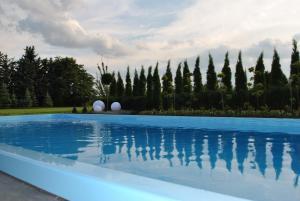 Der Swimmingpool an oder in der Nähe von Ferienhaus Relax