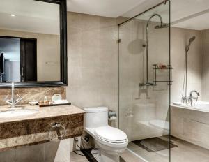 A bathroom at S15