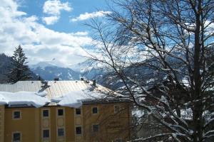 Gästehaus Rübezahl during the winter